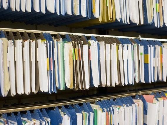 Zložky dokumentov v šanónoch obchodného registra